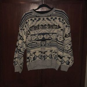 Vintage chunky blue and white printed sweater